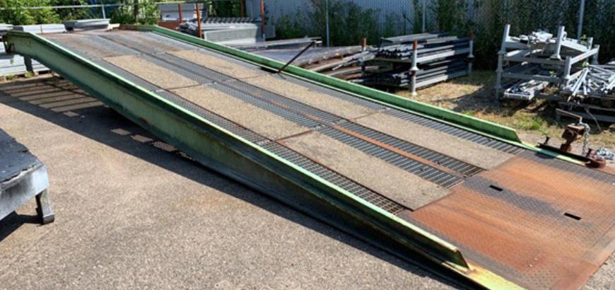 Een Storax laadbrug uit 1985! Opgeknapt en weer klaar voor de volgende decennia!